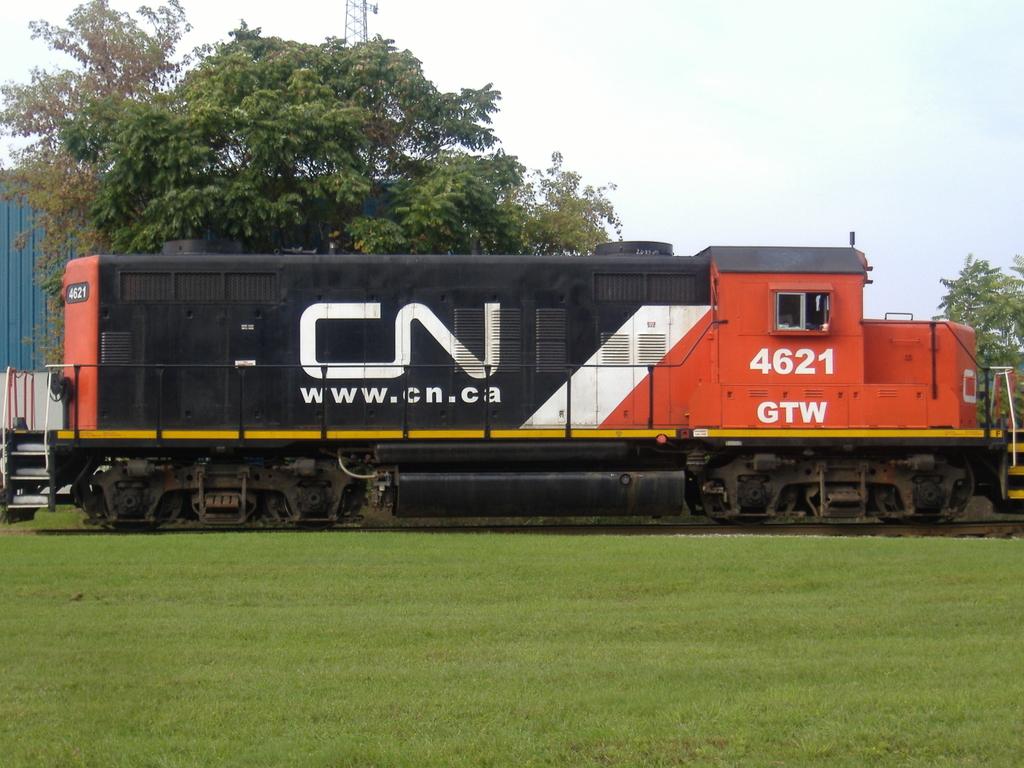 CN 4621 GP9